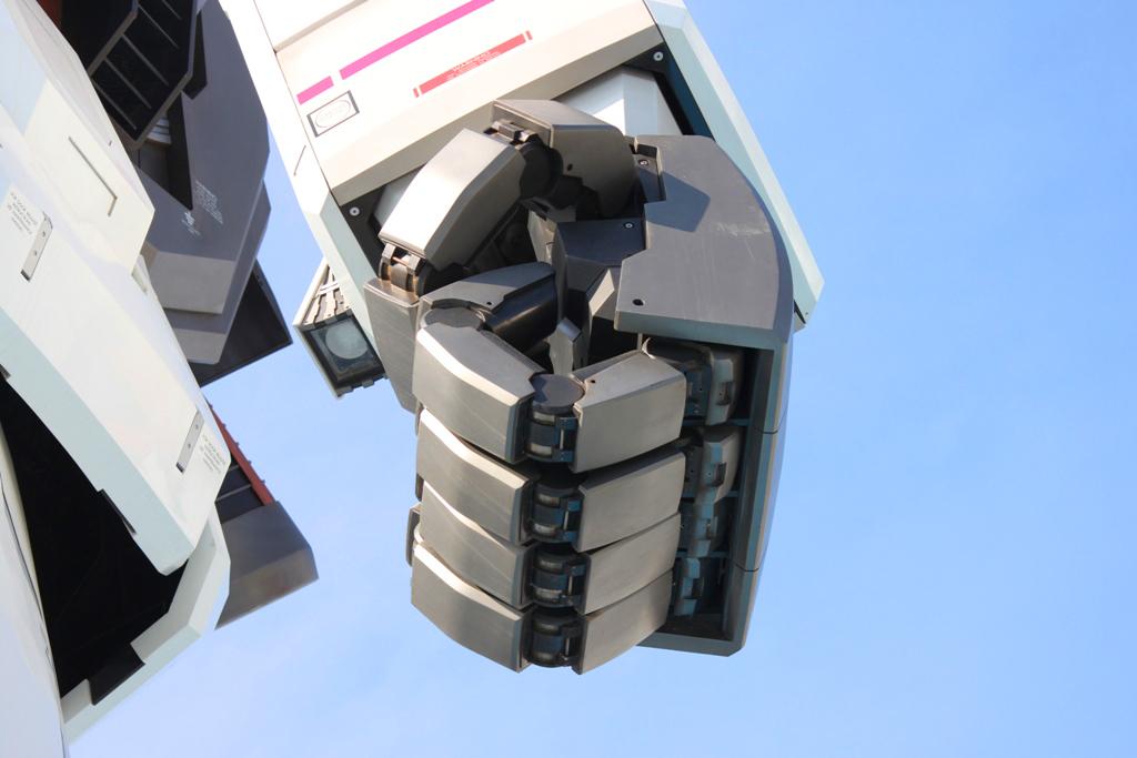 Real Size GUNDAM moved to Shizuoka (5)