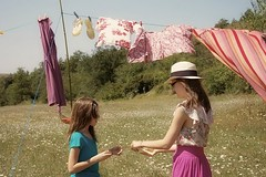 (Vuulpess) Tags: girls summer france fashion photography sunny retro line clothes washing