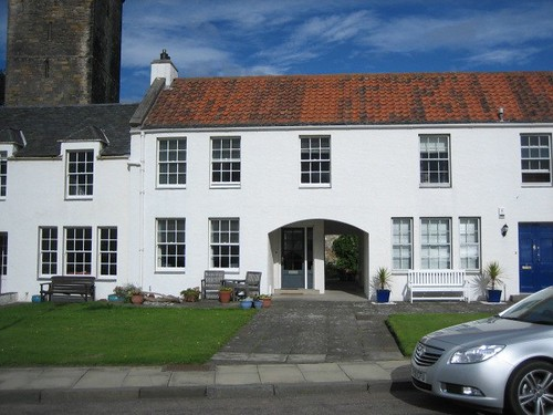 Please expand to read about this Mid-Terr, 2 Bed with garage: 4 Pan Ha',Dysart.