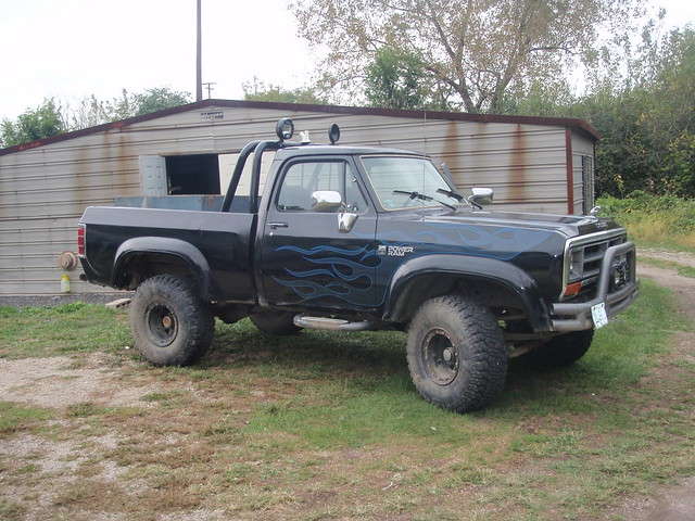 sport 4x4 canyon dodge ram ramcharger powerram