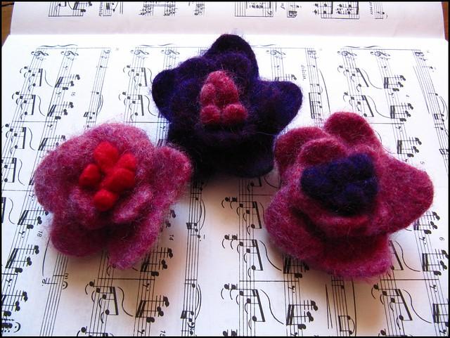 handknit felted flower brooches/pins; knitting, knit, handknit, craft, crafty, handmade, original, colour, color, etsy
