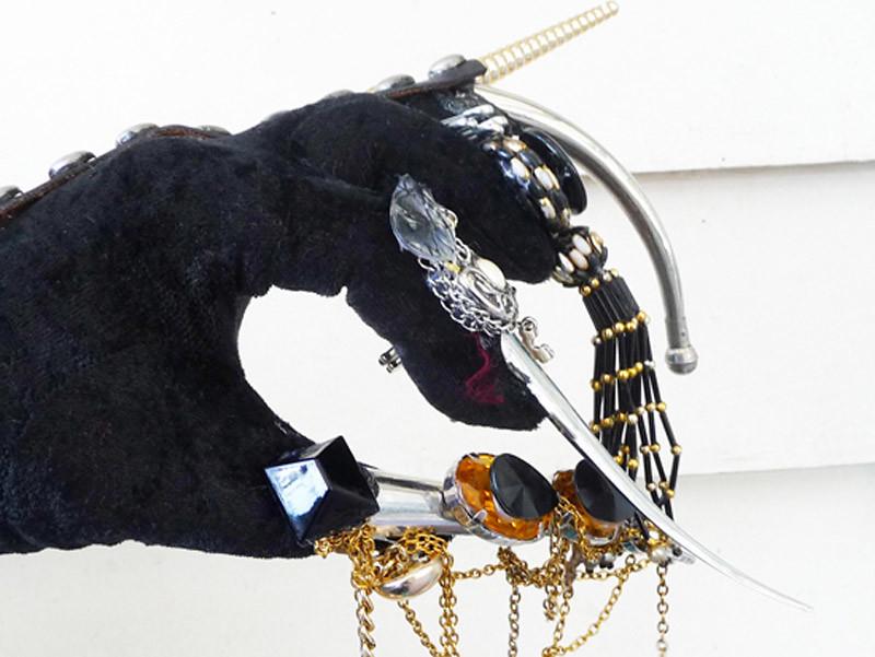 Swallow Glitter DIY glove 3