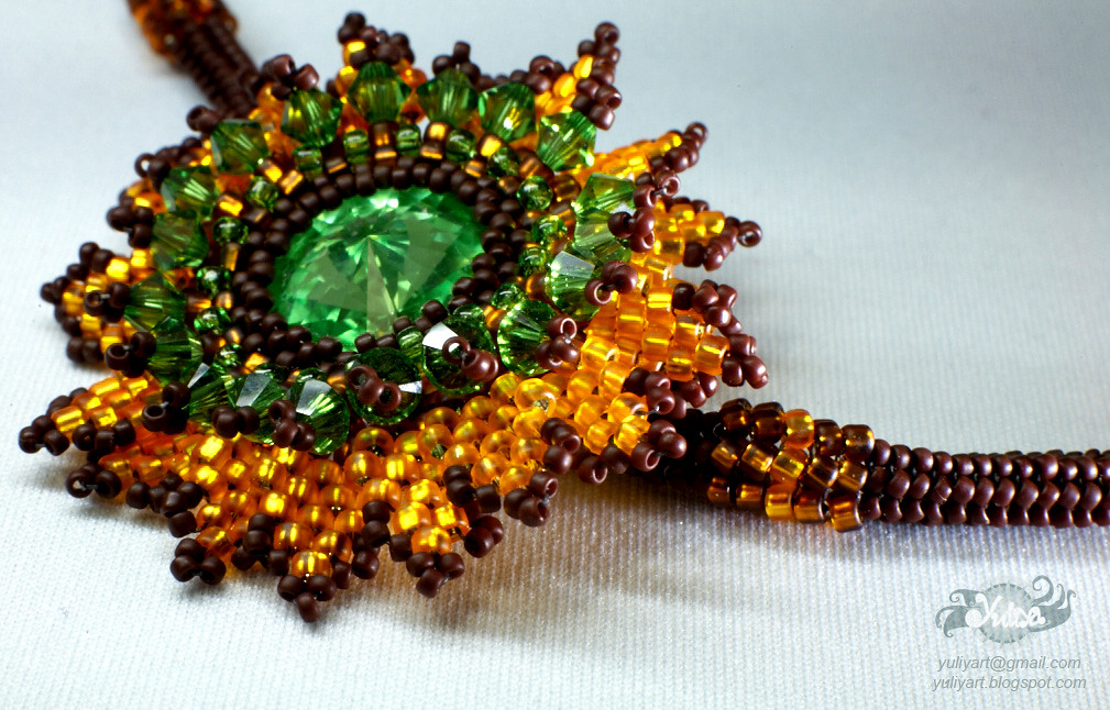 beaded necklace Autumn Sunshine, detail