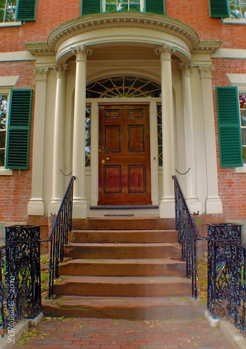 Front door of the Gardner-Pingree House