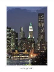 NEW YORK (photonikon-asun) Tags: bridge newyork brooklyn america skyscraper landscape dawn dusk ciudad panoramica brooklynbridge empirestate anochecer rascacielos eeuu estatuadelalibertad statueofthefreedom