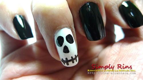 Nail Art Halloween Skull 03
