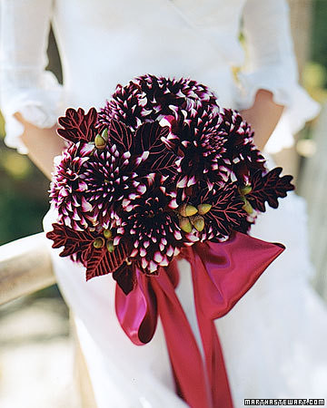 mswed_aubergine dahlia bouquet_fall