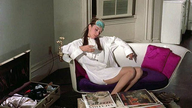 holly_golightly's_bathtub_sofa-1