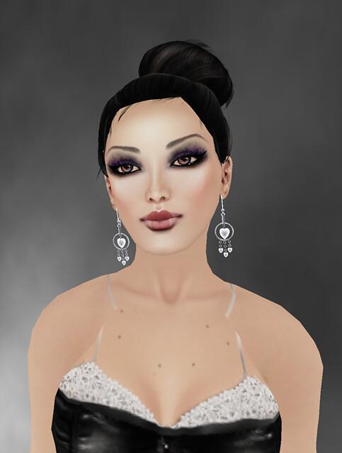 BODYWEAR JEWELRY - Heart Earrings on  Jewelry Fair