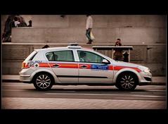 Metropolitan Police Vauxhall Astra IRV (TheEssexTech) Tags: london square trafalgar police irv metropolitan astra vauxhall aqj