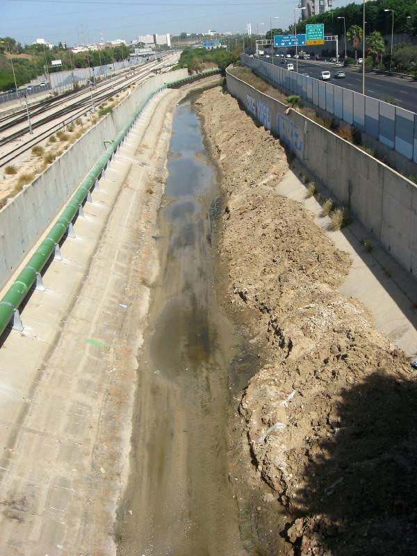 15-10-2010-water-gone