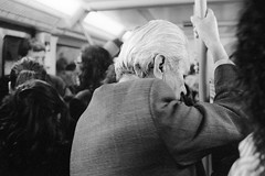 (Emanuele Nutile) Tags: barcelona bw underground metro bn metropolitan reportage tmb reportaje