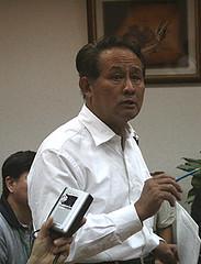 屏東縣長曹啟鴻表示將出席環評大會力阻開路。