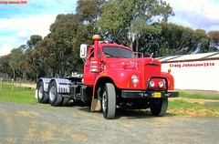 photo by secret squirrel (secret squirrel6) Tags: park trees red classic grass nice waiting shed bulldog turntable restoration resting grille oldtruck mack bobtail spotlights echuca craigjohnson ruralaustralia bmodel roundheadlights bogiedrive secretsquirreltrucks