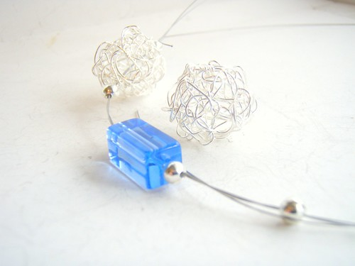 glass and wire bead project