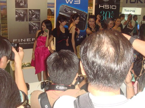 Chee Li Kee at Fujifilm Booth (2)