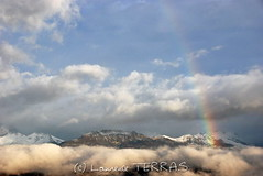 Arc en ciel et Montagne de Charance / Rainbow and mountain  of Charance (Laurence TERRAS) Tags: pigut hautesalpes france arcenciel rainbow nikon d80 europe charance ciel sky nuages clouds brumes mist sunrise piegut nature mountains mountain morning montagnes montagne matin paysage landscape brouillard autumn automne alps alpes