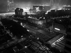 R0014737 (Goodspeed Wong) Tags: guangzhou street people bw night asian shot crowd documentary games snap guangdong cantonese canton swarm