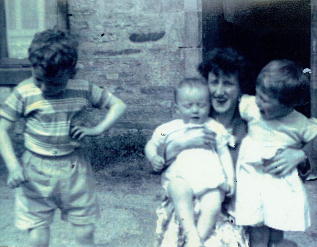 Mum Jim,Margaret,Peter 1961