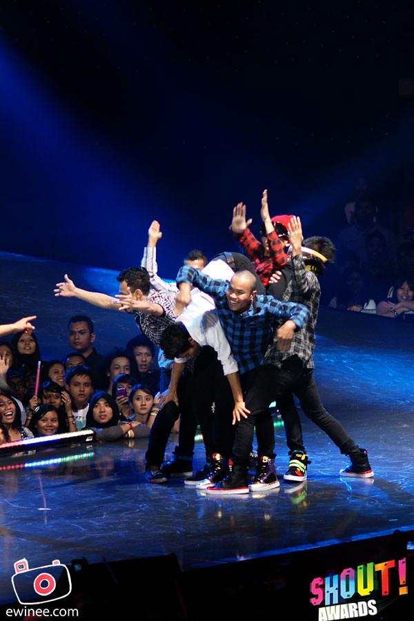 DANCE-BEAT-BOX-SHOUT-AWARDS-2010-6