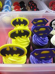 Superhero Cupcakes (Jenny Burgesse) Tags: cupcakes superhero batman bizarro fondant geeksweets comicbookshoppeartgala2010