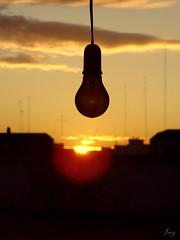 Late dawn. (I m y) Tags: luz sol atardecer rojo negro ciudad cable amanecer amarillo nubes antena naranja reflejos bombilla finca imy fincas vicnamar
