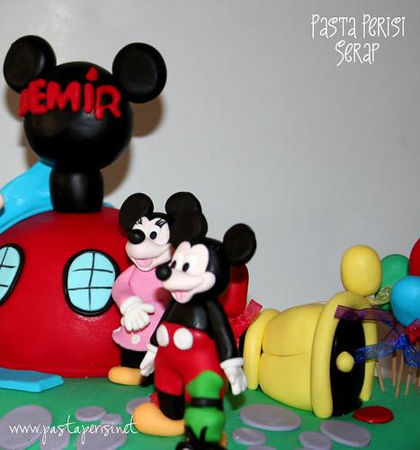 mickey mouse clup hause pastası
