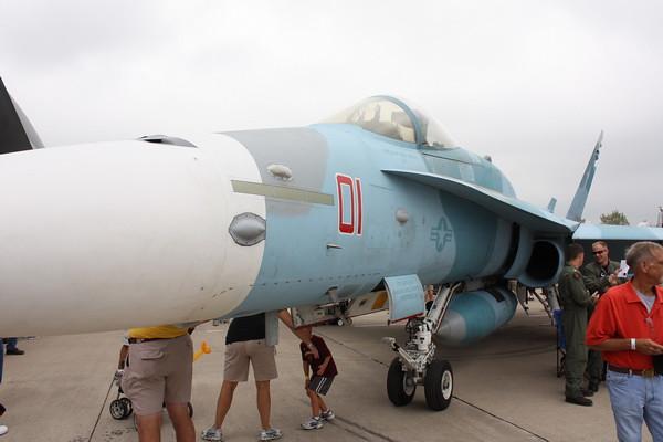 EAA10_FA-18C_006