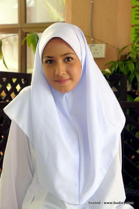 Nur Fathia sebagai Ummu Hani