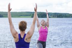 yoga lesson by a lake (VisitLakeland) Tags: jooga joga yoga lakeland finland wellness hyvinvointi relax rentoutuminen balance tasapaino harmony harmonia lake järvi shore ranta beach