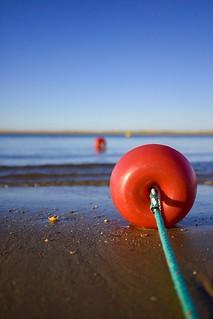 Cerezas en la playa.