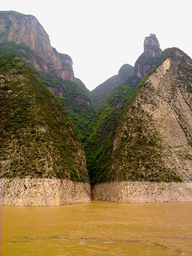 Wu Gorge by Chiva Congelado