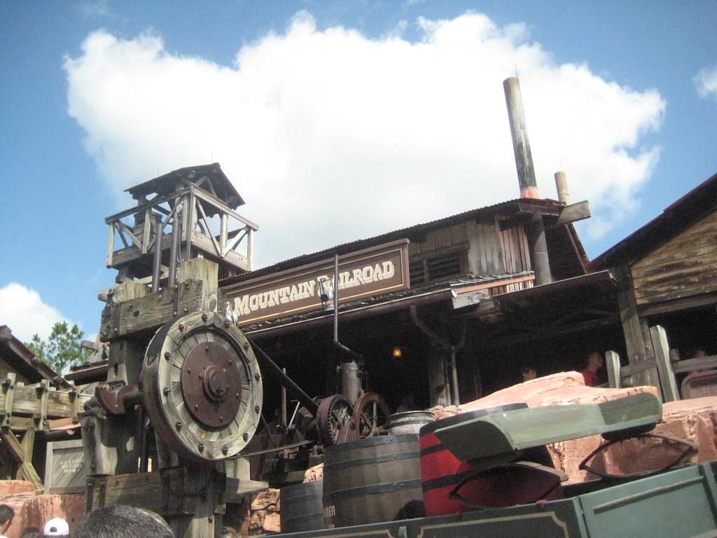 Big Thunder Mountain Railroad Roller Coaster Queue @ Magic Kingdom, Day 4 Florida Band Trip