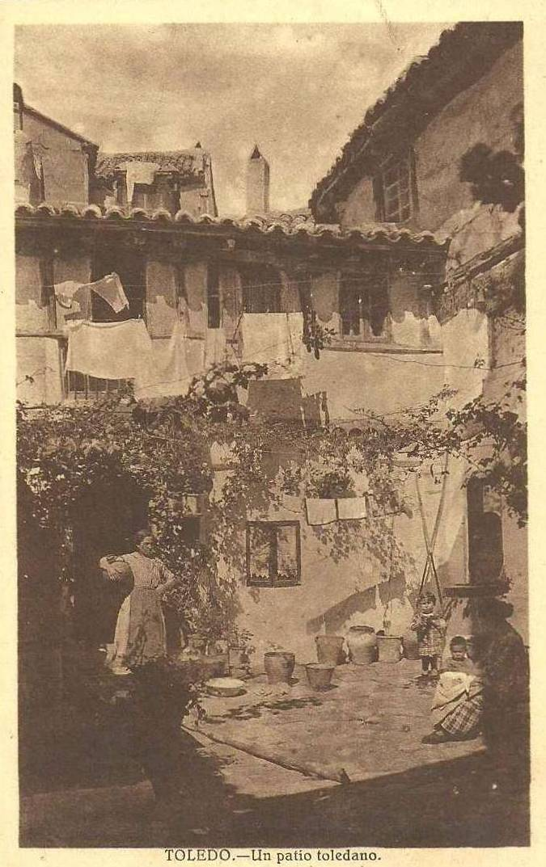 Patio toledano a inicios del siglo XX