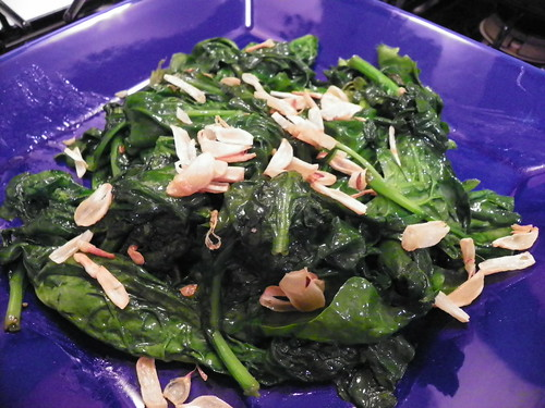 Spinach w/ Garlic Chips