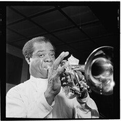 [Portrait of Louis Armstrong, Carnegie Hall, New York, N.Y., ca. Apr. 1947] (LOC) (The Library of Congress) Tags: trumpet libraryofcongress armstrong satchmo louisarmstrong xmlns:dc=httppurlorgdcelements11 xmlns:foaf=httpxmlnscomfoaf01 williampgottlieb dc:identifier=httphdllocgovlocmusicgottlieb00151 foaf:depicts=httpnlagovaunlaparty1307946