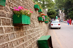 Decorative Wall (Amir Mukhtar Mughal | www.amirmukhtar.com) Tags: road flowers trees pakistan people car wall canon concrete planters bricks tiles amir murree mughal mughals amirmukhtar murree20100700460