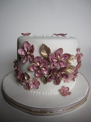 Pink & gold birthday cake (vanessa-anne) Tags: birthdaycake cakedecorations fondantflowers pinkandgoldflowers