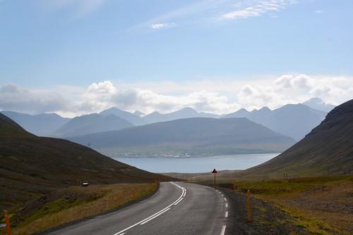 Driving towards Þingeyri