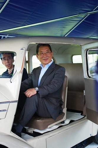 たま電気自動車に乗る志賀俊之 日産自動車COO