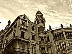 La otra cara de la moneda (mukotxa) Tags: espaa spain edificio galicia lugo indiano ribadeo torredelosmoreno oltusfotos