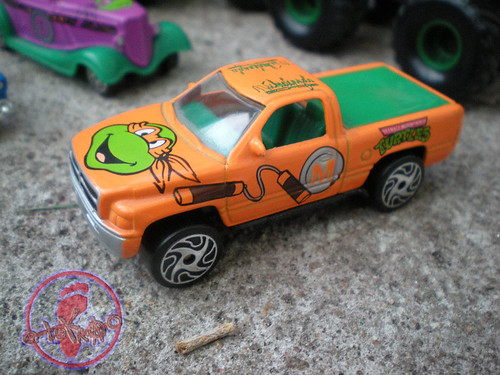 "Racing Champions ""Street Wheels"" diecast 1:64 scale - 'Teenage Mutant Ninja Turtles' 5 pack :: 1996 Dodge Ram  - Michelangelo i (( 1999 ))"