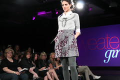 Front Row Fashion - Sweater Girls | Bellevue.com