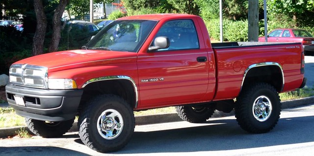 red pickup dodge ram rc 1500 magnum v6