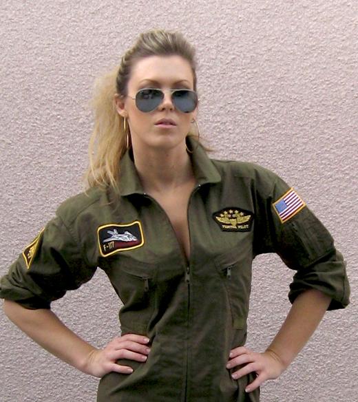 jumpsuit-top-gun-maegan-3, military look, flight suit, ray bans, tom cruis, top gun costume