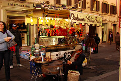 Sleepy (Marcia Salviato) Tags: street sleeping italy rome roma travels holidays europe italia marcia eu it rua viagens dormindo ferias vacanze h9 salviato marciasalviato