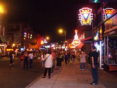 Beale Street 2 (klmontgomery) Tags: memphis july lausanne bealestreet 2010 silkyosullivans klmonty klmontgomery