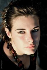 (Valentina Mura) Tags: portrait verde girl nikon estate ombra occhi ritratto primopiano ragazza particolare iride d60 legame nikond60 essenza contenuto valentinamura