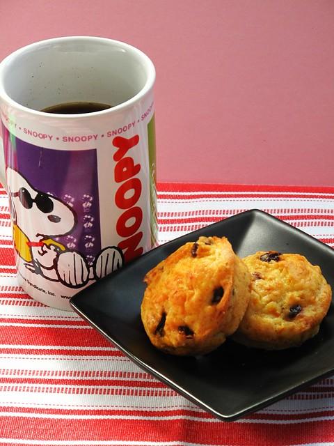 IMG_2558 Breakfast : Orange Raisin Muffins + Coffee