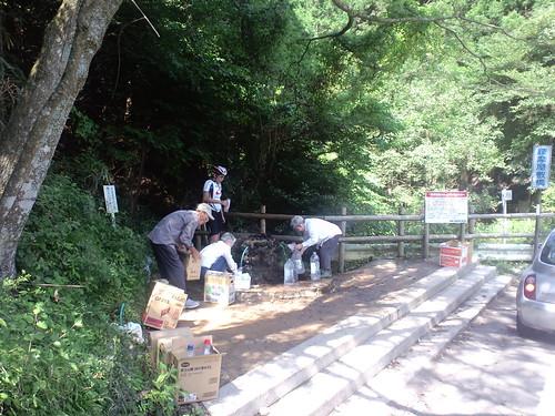 裏ヤビツ、護摩屋敷の湧き水